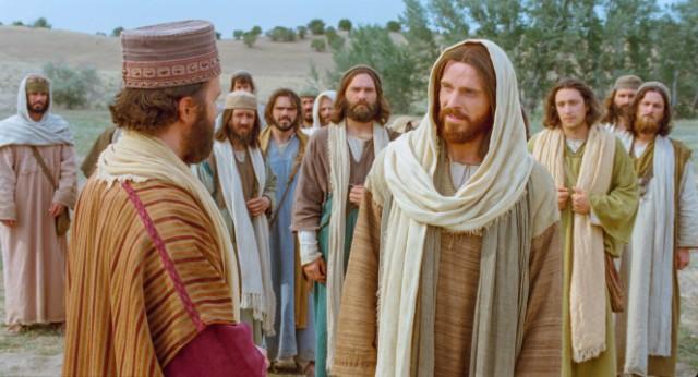 Jesus  testemunha: muitos do povo crêem, os inimigos semeiam a divisão